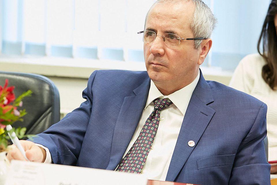 Daniel Coriu (Institutul Fundeni): Rugăm autorităţile să nu reducă finanţarea pentru Programul naţional de hemofilie