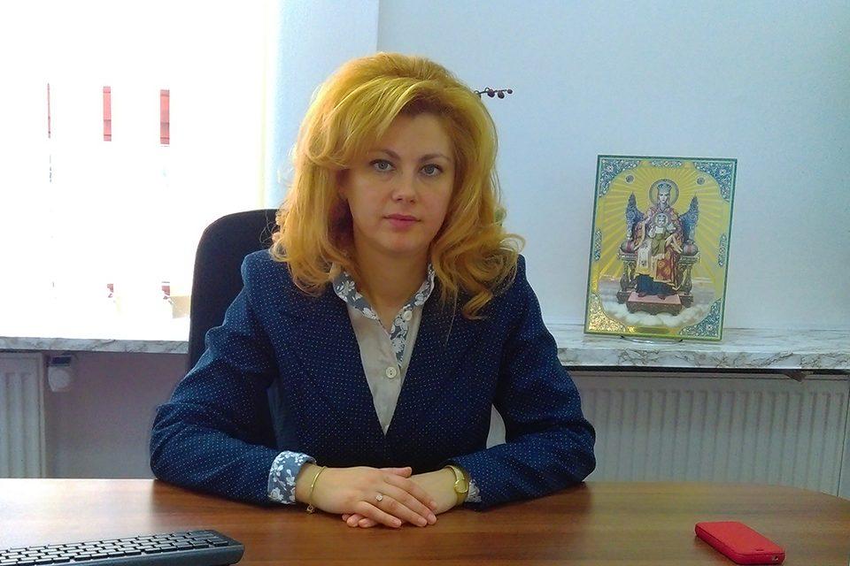 Dep. Dr. Maricela Cobuz: Pacienții cronici, care au un tratament anterior, pot urma același tratament și să țină legătura cu medicul de familie sau medicul specialist, cel mai bine, telefonic
