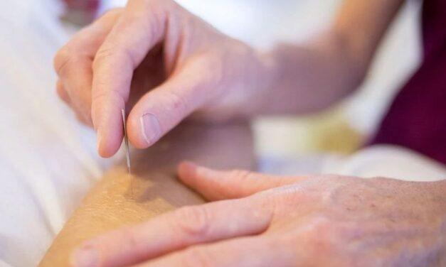 Acupunctura, o procedură eficientă pentru reducerea durerilor cronice articulare la pacienții cu hemofilie