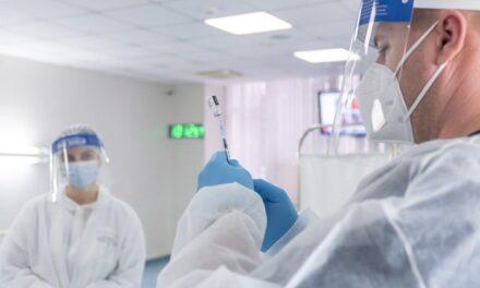 Zilnic, sute de ieșeni si angajați ANTIBIOTICE IAȘI se vor vaccina în cadrul centrului de vaccinare A+