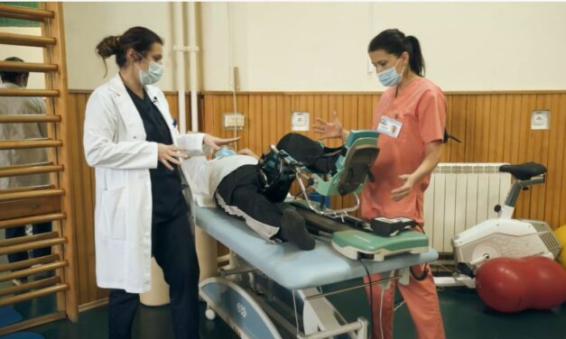 Video educațional: Kinetoterapia genunchiului protezat la pacienții cu hemofilie