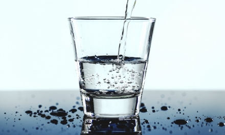 Spune-mi ce apă bei, ca să îţi spun cât de sănătos eşti!